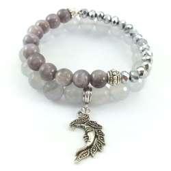Szare bransoletki z kamieni naturalnych z kamieniami jadeitu i marmuru oraz kryształków szklanych. Zawieszka charms księżyc.