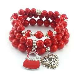 Komplet czerwonych bransoletek z kamieni naturalnego marmuru z zawieszkami charms.