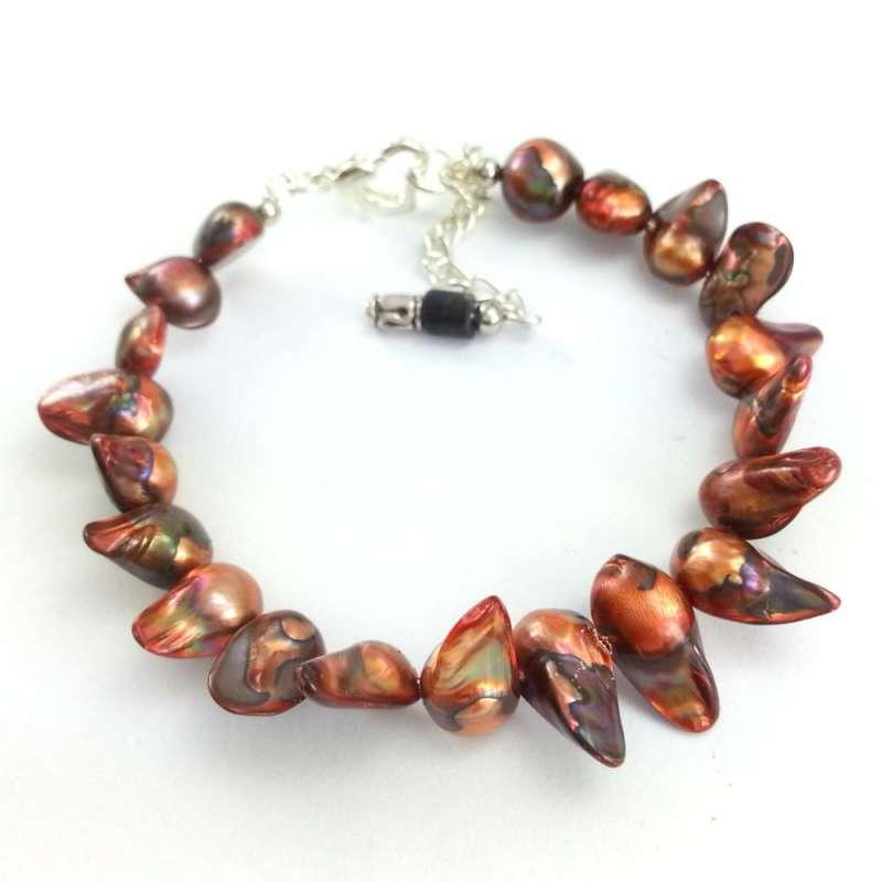 Miedziano brązowa bransoletka z pereł naturalnych- kłów.