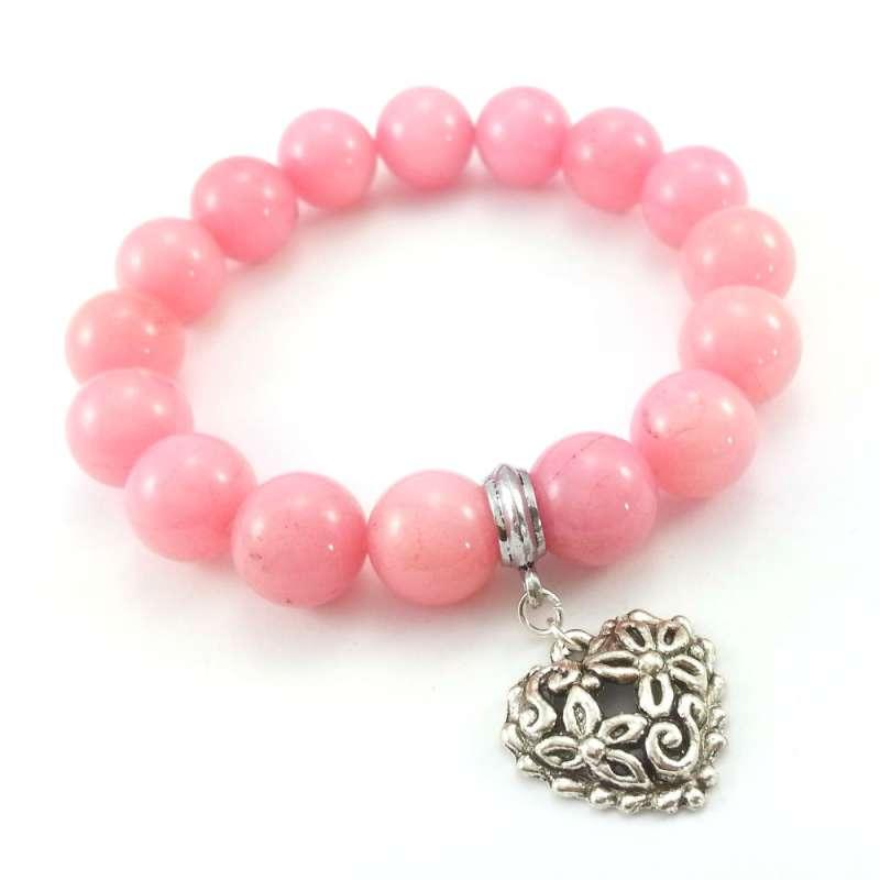 Bransoletka pudrowy róż z kamieniami jadeitu i zawieszką sercem.