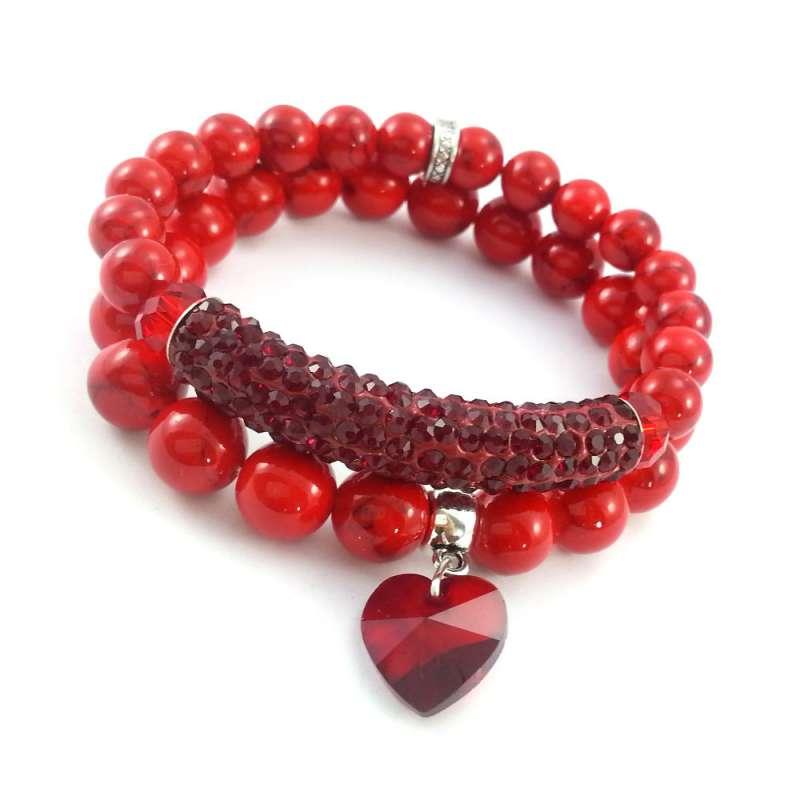 Komplet dwoch bransoletek w czerwieni z kamieniami marmuru, tunelem i kryształowym sercem.