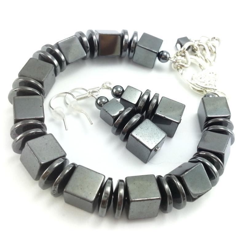 Komplet biżuterii z kamieniami naturalnymi grafitowego hematytu.