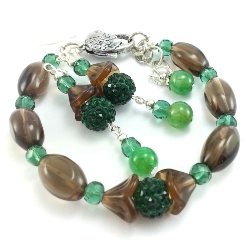 Komplet biżuterii z kamieniami półszlachetnymi kwarcu dymnego, kryształków i agatu.