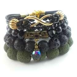 Zestaw czarnych bransoletek ze skórą naturalną, lawą wulkaniczną i  kryształkami.