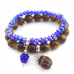 Bransoletki z kobaltowymi kryształkami i egzotycznym, brązowym orzechem.